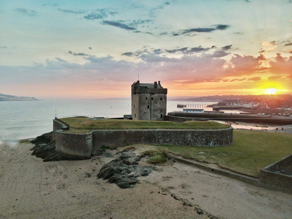 Castillo de Broughty en Escocia