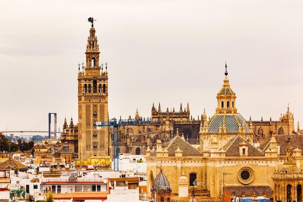 Las cinco escapadas perfectas en Semana Santa desde Palma-Sevilla