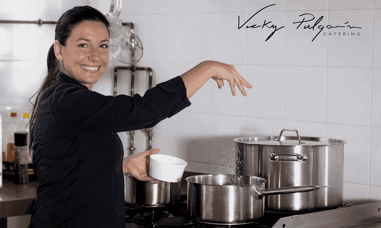 Aprende a rellenar el pavo Navidad con Vicky Pulgarín. Con ingredientes económicos y de calidad la chef Vicky nos enseñará pasa a paso.