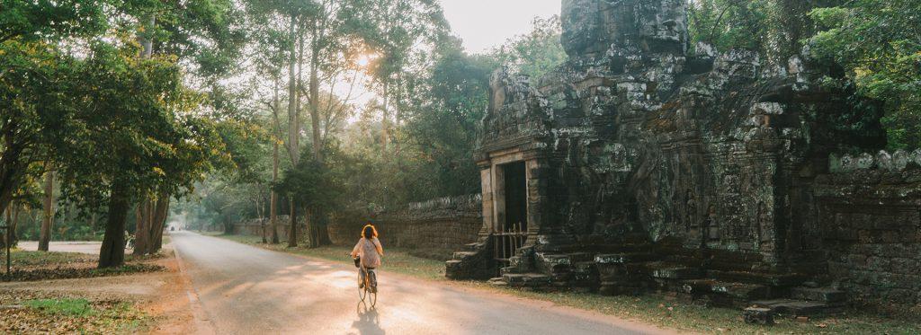 Angkor a todo color: redescubriendo los templos de Camboya con la pintura