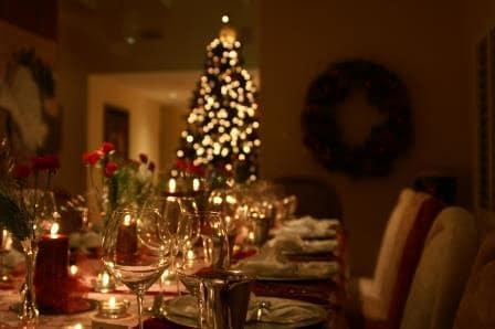Aprende a decorar tu mesa para Navidad con Edeen Jardinería