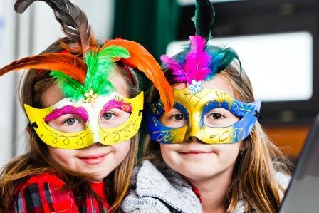 actividades infantiles enero taller-mascaras-veneciana